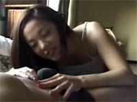 友崎亜紀 盛りがついた巨乳奥様 真っ昼間から男に襲いかかるセックス!