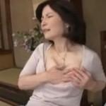 五十路熟女母 落ち込んだ息子を慰めるため中出しセックス!板倉幸江 近親相姦