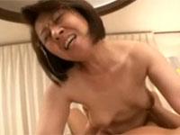 五十路熟女の家庭教師に童貞卒業中出しセックスもさせてもらった!柳田和美