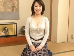 【初撮り】薩摩の国からやって来た可愛らしいFカップ五十路熟女!