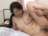 三浦恵理子 美人熟女の激しいセックス最後は巨乳へ発射!