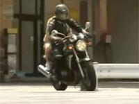 【ヘンリー塚本】バイクのサドルにバイブを付け挿入したまま走るレズカップル