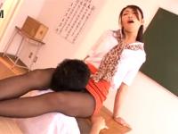 小早川怜子 壇蜜似美熟女教師ミニスカ黒パンストで生徒に教室でクンニ強制!xvideos