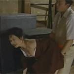 【ヘンリー塚本】昭和の旧家 義父も息子もオバサン女中に性処理させる