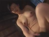 浅井舞香 熟母が息子のチンポの虜に 逆レイプ近親相姦!
