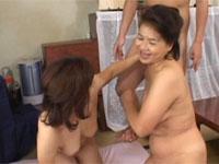 【無修正】五十代熟女3人を居酒屋から持ち帰り大乱交セックス!
