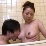 松坂晴美 まだ現役な熟母 息子と一線を越え近親相姦セックス!
