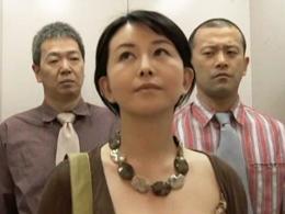 【ヘンリー塚本】妻にガスを吸わせて眠らせてから男2人に寝取らせる夫 浅井舞香