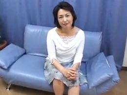 バツイチになって10年、アソコが乾きそうなのでAV出演した五十路熟女 里中亜矢子