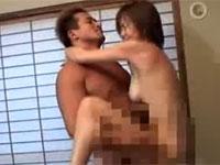 性欲が強い熟女が夫との性生活に満足できずAVに!男優と汗だくセックス!