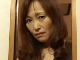 【ヘンリー塚本】夫の麻雀仲間とハマリ狂う四十路妻