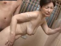 板倉幸江 五十路熟女母と息子がお風呂イチャイチャセックス!