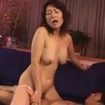 里中亜矢子 還暦手前と思えない美人熟女が激しいセックス!xvideos