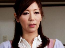 夫の親友に犯されて逝ってしまう欲求不満の四十路妻 翔田千里
