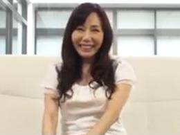 【初撮り】57歳にして上京してAVデビューを果たしたドスケベ熟女妻 富樫まり子