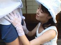 【無修正】昭和の庭先で上品なマダムのフェラ抜き…桜月舞