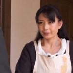他人の固いチ◯ポが忘れられず、亭主のいない間に家に上げる四十路妻 三浦恵理子