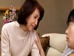 還暦の熟女妻が息子の友達とまるで少女のようなトキメキSEXを楽しむ! 九条美代子