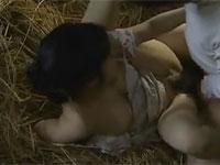 【ヘンリー塚本】昭和の田舎 亭主の留守中納屋に男を連れ込みセックス