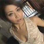 【無修正】北条麻妃 超美熟女なぜかハンガーでカメラ目線超エロオナニー!