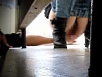 トイレを利用する女性を盗撮するだけでなく、女性器を触るマジキチな男性