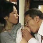 【ヘンリー塚本】往診医と出来てしまってる四十路巨乳母…そしてその娘も! 北原夏美