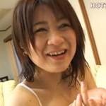 【無修正】可愛らしい素人熟女に口内発射や超絶手マンセックス!