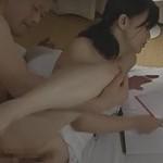【ヘンリー塚本】女教師がセックスしながらテストの採点 浅井舞香
