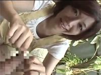 翔田千里 美人なオバさんが包茎チンポを大喜びで弄ってフェラ!