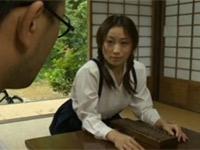 【ヘンリー塚本】昭和の家屋で母親の男を誘惑セックスする娘 川上ゆう