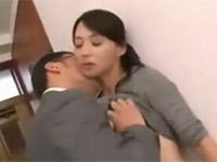 安野由美 欲求不満な五十路美熟女が繰り返し夫の部下とセックスする!