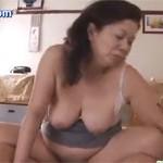 岩崎千鶴 五十路のぽっちゃり寮母がダンディな中年と濃厚セックス!xvideos