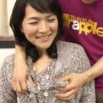 上品で明るく感じのいい五十路奥さんが初撮りAVでイケメン男優と濃厚セックス!
