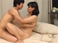安野由美 五十路美熟女が童貞君を優しく手ほどき!Tube8