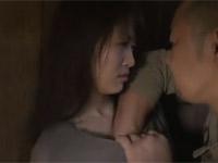 【ヘンリー塚本】ドロドロ人間模様な村で女がオッサンとW不倫セックス