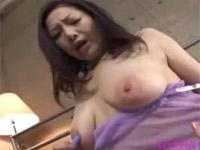 沢村麻耶 熟女のドアップオナニー極太バイブにローターに電マに指ズボ!