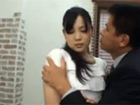 香山蘭 美人妻がパート先の経営者に無理やり抱かれる!