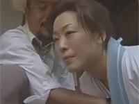 【ヘンリー塚本】昭和の日本家屋で妻不在の間に旦那が家政婦とセックス