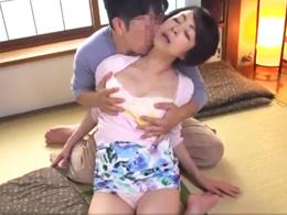 清楚な五十路母との日常化した禁断セックスが世間にバレてしまった結果…。 藍川京子