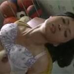 安野由美 先生、僕にもヤラせて!五十路の美熟女教師が用具室で無理やり!