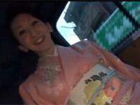【無修正】息子の入学式で着物な五十路美熟女とハメ撮り中出しセックス!