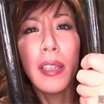 【無修正】澤村レイコ 囚われ美熟女「なんでもするから牢から出して!」じゃぁセックス!