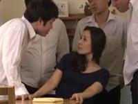 森下美緒 五十路熟女教師が悪ガキ達にメチャクチャセックスされる!