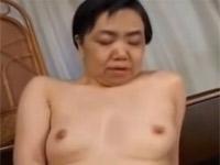 【無修正】高齢熟女 還暦お婆さんのすごい性欲!激しいオナニー!