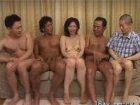翔田千里 美熟女はチンポマニア!旦那と連れ子と森くんと八百屋の兄ちゃんで5Pセックス!
