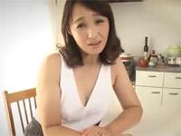 安野由美 奇跡の五十路熟女がカメラ目線で淫語ディルドゥ手コキ!