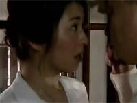 【ヘンリー塚本】子持ち妻が幼子を姪に見てもらう間にその父親とセックス