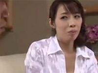 冴木真子 美熟女母が息子の同級生に犯される!