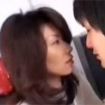 【無修正】僕ともセックスしてよ!美人母の不倫を目撃し嫉妬する息子!翔田千里