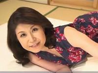 水野淑恵 ムッチリ五十路熟女が有名男優とのセックスでメロメロです!